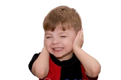 debilidad auditiva, recién nacidos, aprendizaje, calidad de vida, consecuencias en el comportamiento, problemas auditivos, factores de audición, audiología pediatrica, lenguaje, redimiento escolar,  dificulta el  aprendizaje, memoria, atención, comunicación, tratamiento oportuno,