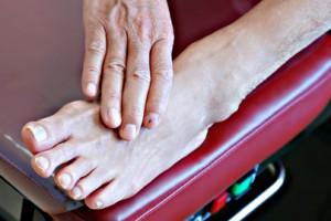 pie diabético, afectación en las extremidades inferiores,prevención, diabetes. tratamiento, perfecto secado de los pies, zapato adecuado, revisión de pies,