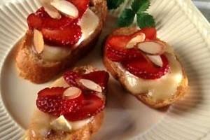 Bruschettas con queso Brie, fresas de California,Ingredientes,Modo de Preparación, Información nutricional,