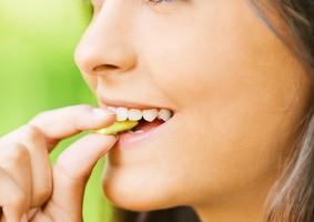 controlar tu peso corporal, goma de mascar sin azúcar, herramienta útil,Haz varias comidas pequeñas durante el día, calorias, chicle, estrategias, Camina varias veces en el día,