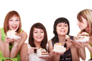 incrementar el consumo de calorías, estudios, calorías ingeridas, investigadores, control de la situación, mujeres atractivas,