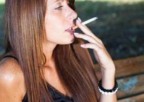 tabaquismo, dependencia, exposición al humo del tabaco,cáncer de pulmón, riesgo de muerte prematura,prevención, mujeres fumadoras,envejecimiento prematuro,