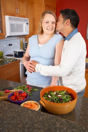 embarazo, pareja, diabetes gestacional, aumento de azucar, insulina, diabetes mellitus, glucosa es mayor, medición de glucemía, tratamiento, embarazo de alto riesgo.
