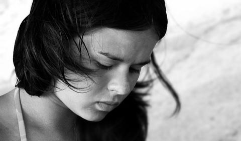 Lupus eritematoso, enfermedad autoinmune, provoca el sistema inmunológico, enfermedad sistémica, caída de cabello, presencia de úlceras en la boca, sensibilidad con la exposición al sol,  calidad de vida, tratamiento,  causas hormonales.