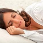 dormir bien, alteraciones del sueño, depresión, irritabilidad, cambios en el estado de ánimo, ritmo cardiaco, memoria, ronquidos, gipertensión arterial.