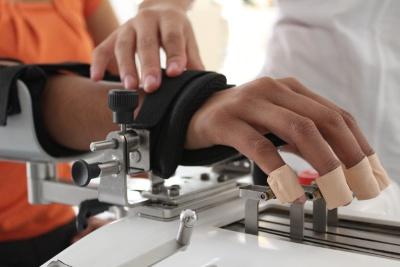 Rehabilitación biónica y robótica.