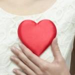 ataque al corazón, enfermedad, infartos femeninos, vasos sanguíneos, menopausia, infarto al miocardio, factor genético, estilo de vida, trastornos en la salud, enfermedades cardiovasculares.