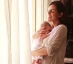 brazos de mamá, crecimiento, seguridad, niños tranquilos, claves para estar cerca de tu bebé, seguridad, bienestar, apoyo,