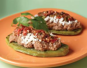 sopes de nopal, sabrosa comida mexicana, ingredientes, mixiotes de verduras, sopes de nopal, preparación, alimentación saludable,