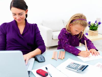 necesidad económica,deseos de desarrollo personal, desarrollo profesional, maternidad,madre frustrada, madre tranquila, realizada, equilibrio entre ser madre y profesionista,