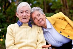 Cada vez más abuelos se encargan de la crianza de sus nietos.