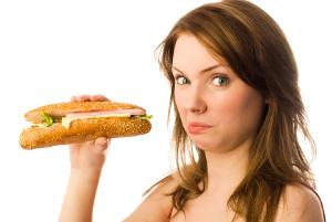 Disminuye el consumo de sal y alimentos procesados