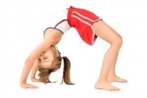 Es importante que motivemos a niños y niñas a realizar actividades físicas y deportes que fomenten, además de su entretenimiento y diversión, un estilo de vida saludable, al tiempo que hagan del ejercicio un hábito en su vida diaria.