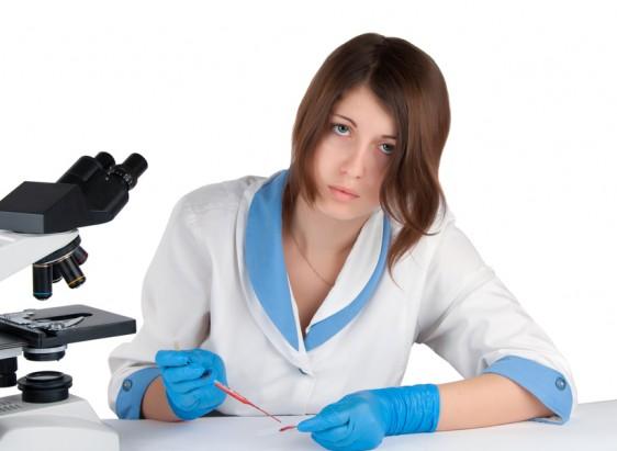 Una biometría hemática la debemos hacer cada año, después de los 40 años de edad,  y se debe convertir en un análisis obligado, como la mastografía en mujeres o el perfil prostático para los hombres.