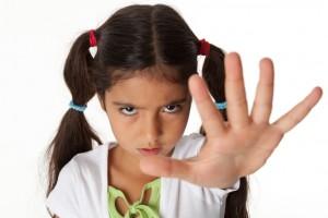 En México 4 de cada 10 alumnos de entre 6 y 12 años han sufrido alguna agresión física de algún compañero señala la Comisión Nacional de los Derechos Humanos (CNDH).