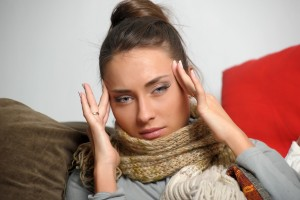 Las migrañas son comunes entre las mujeres en edad reproductiva, explica la Dra. Stephanie Faubion, especialista en la Clínica de la Salud Femenina de Mayo Clinc. Este tipo de dolor de cabeza generalmente empeora alrededor del momento de la menstruación. Foto: Depositphotos.