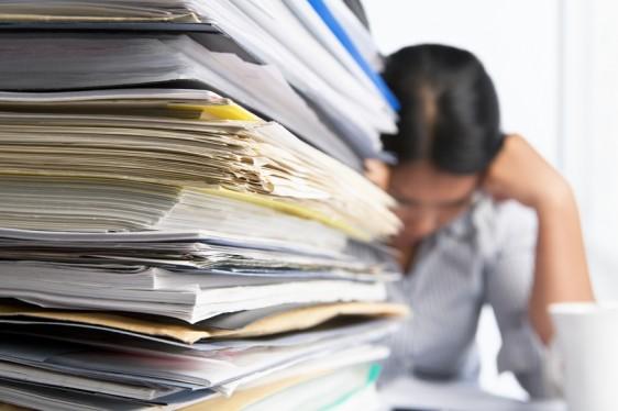 Algunas personas con alcoholismo severo o drogadicción pueden ser adictos laborales.