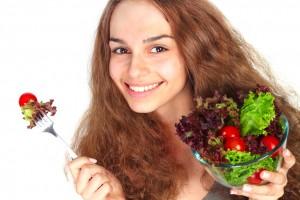 Es cierto, las aceitunas, tanto las verdes como las negras, son una muy buena fuente de ácido oleico, un ácido graso de cadena larga y mono insaturado, que se asocia con el colesterol HDL o bueno.