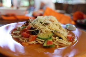La receta que aquí te presentamos, además de deliciosa es cardiosaludable: Espagueti con vegetales. Imagen:  Depositphotos.