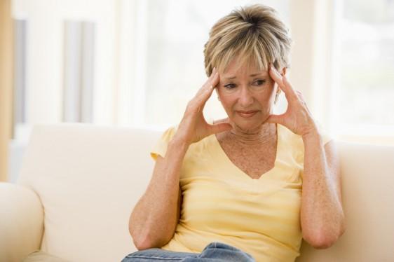 Si bien, el Botox es mejor conocido por su capacidad de reducir la apariencia de las arrugas faciales, también ha demostrado ayudar a algunas personas a prevenir las migrañas crónicas.