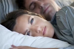 De acuerdo con una encuesta realizada por Laboratorios Sanfer sólo 13 % de los participantes fueron remitidos a un especialista para tratar los trastornos del sueño. El 74% de los pacientes, recibieron medicamentos para dormir. Y sólo el 14% fue atendido por un médico interesado en la mitigación de sus trastornos del sueño.