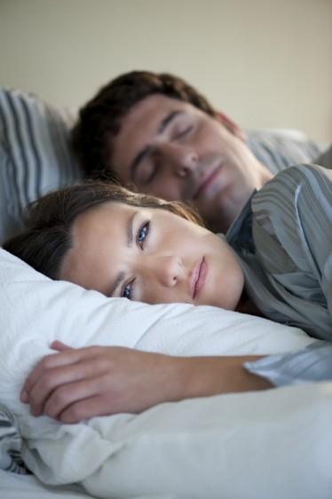 El insomnio es un trastorno del sueño que consiste en la incapacidad de dormir en calidad o cantidad suficientes.