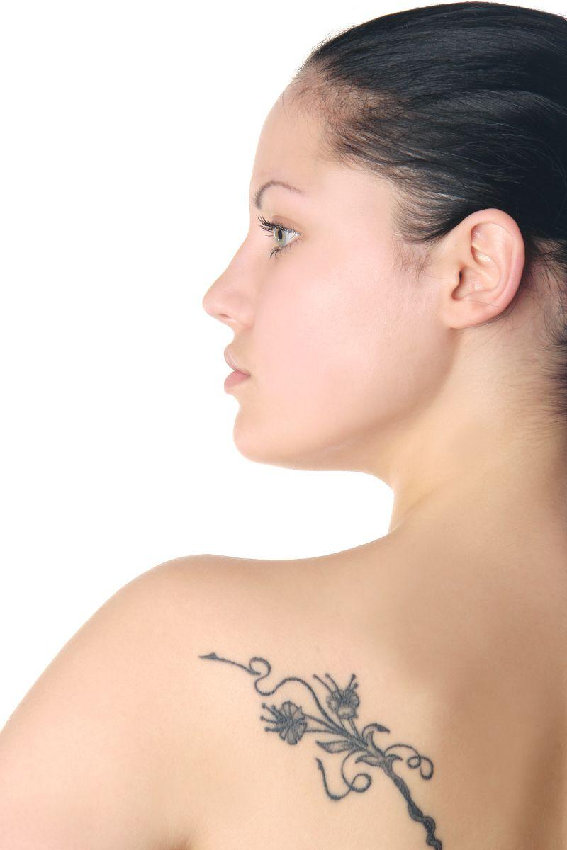 El tener un tatuaje o perforación se ha convertido en un obstáculo ...