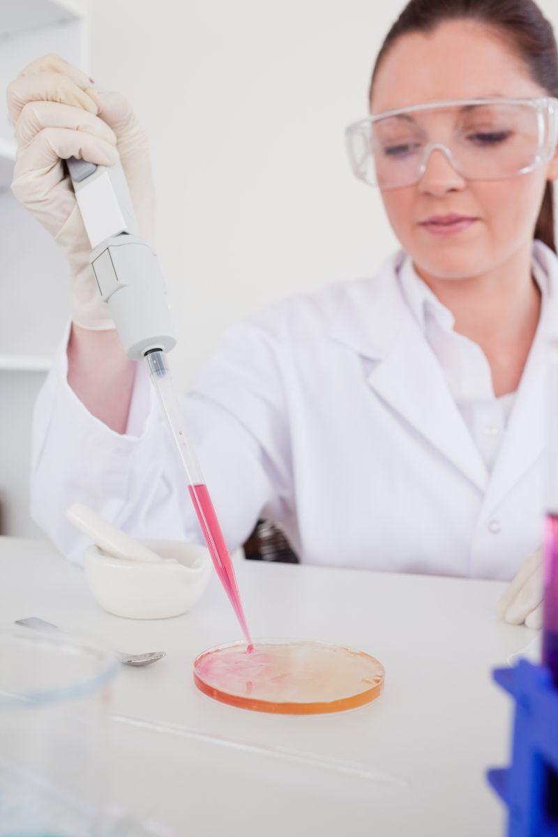 A diferencia de pacientes que no reciben tratamiento profiláctico, la hemofilia puede provocar daños graves a nivel motor y en algunos casos la muerte prematura, destacó la especialista.