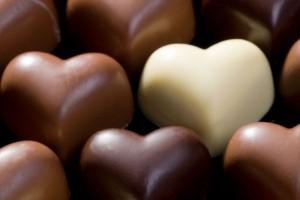 Otro de los beneficios del chocolate es que disminuye el riesgo de sufrir eventos cardiovasculares hasta en 50%.