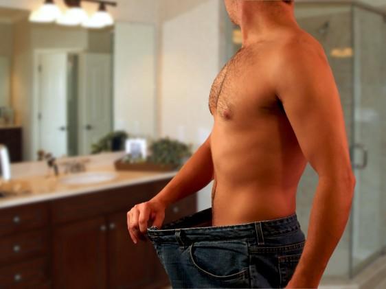 Cuando en Body Perfection le ponen a un varón el láser en abdomen o en la lonjita de atrás o en esas zonas donde ellos tienden a acumular grasa, se les desaparece más fácilmente.