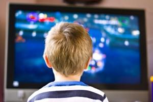 Un tercio de sus vacaciones, los niños la pasarán ante la pantalla y en mucho menor medida harán deporte.