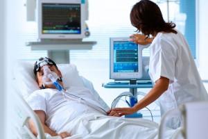 Equipo de monitoreo con alta conectividad para una toma de decisiones efectiva y mejor revisión de la evolución del paciente.