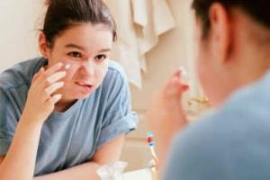 El 5% de la población presentará lesiones cutáneas provocadas por acné, incluso en edades más avanzadas