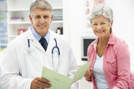 Reducir los bochornos; prevenir la atrofia genital; mejorar la función sexual; así como mejorar la salud ósea y cardiovascular: los principales objetivos de las terapias hormonales.