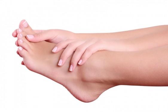 Todo paciente diabético, a lo largo de su vida irá perdiendo sensibilidad en sus pies debido al trastorno que causa la diabetes mellitus en su sistema nervioso.