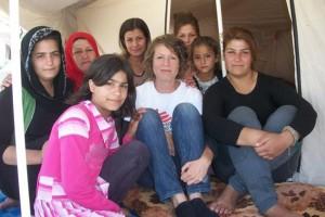 Doctora con refugiados