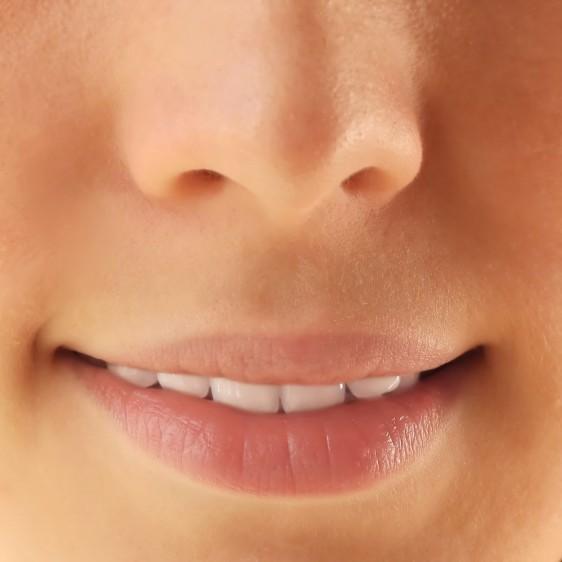 Recomendaciones para resaltar esta navidad con un look más natural, agregando a tu ritual de belleza unos labios mucho más cuidados e hidratados en tonos NUDE.