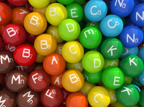 esferas de colores con símbolos químicos de minerales