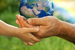 Combatir la polarización y los estereotipos para mejorar el entendimiento y la cooperación entre las gentes de diferentes culturas.