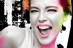 Mujer sonriendo con destellos en colores electricos