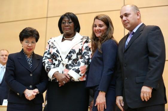 Dr. Margaret Chan, Directora General de la Organización Mundial de la Salud; Primera dama de Zambia Dr Christine Kaseba-Sata; Melinda Gates, co-presidenta de la Fundación Bill y Melinda Gates; y Dr. Roberto Morales,Presidente de la 67 Asamblea Mundial de la Salud