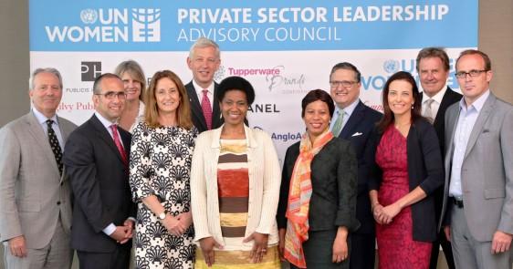 Grupo de personas que conforman Consejo Consultivo de Líderes del Sector Privado de ONU Mujeres