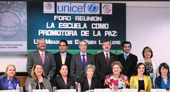 Escuelas, no sólo deben ser espacios libres de violencia sino áreas de protección y de seguridad para los menores: UNICEF