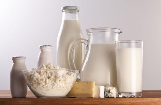 De acuerdo con información de la Cámara Nacional de Industriales de la Leche (Canilec) en México, el promedio de ingesta diaria de leche es de 340 mililitros, cantidad que es inferior a la recomendada por la FAO que es de un mínimo recomendable de 500 mililitros diariamente.