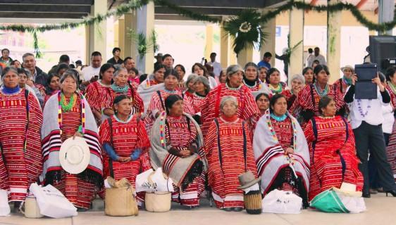 Mujeres de la comunidad Triqui en Oaxaca