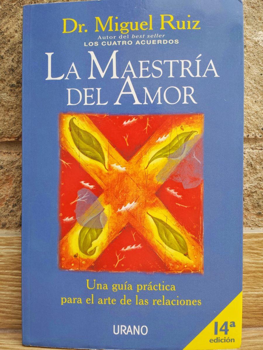 """El autor plantea que son muchos los supuestos y las creencias que, basados en el miedo, socavan el amor y originan conflictos y sufrimiento en nuestras relaciones: """"La felicidad sólo puede provenir de tu interior y es el resultado de tu amor."""