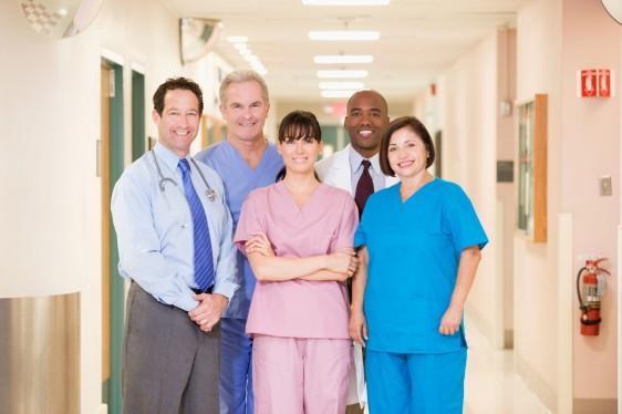 Personal médico en un hospital