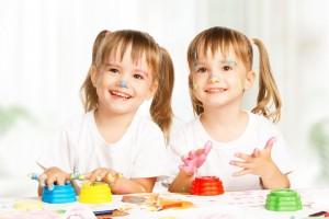 En general, a los 4 años, los dibujos de gemelos pares idénticos eran más similares entre sí que los dibujos de las parejas de gemelos no idénticos.