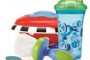 Las mamás corren el riesgo de exponer a sus bebés al BPA con el uso de ciertos biberones o productos plásticos, ya que al calentarlos o llenarlos con líquidos calientes, el Bisfenol A puede filtrarse y pasarse a los alimentos o bebidas.