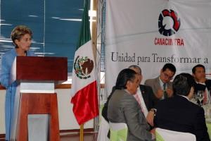 Mercedes Juan presentado ponencia en CANACINTRA